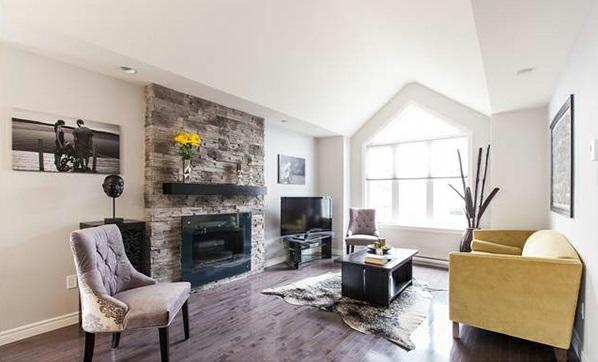 wohnzimmer weiß modern:wohnzimmer design schick modern weiß gemütlich sessel