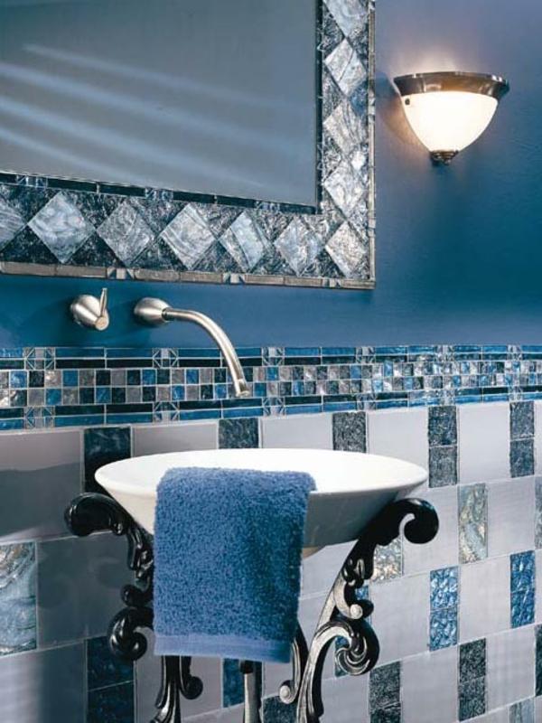 40 badezimmer fliesen ideen badezimmer deko und badm bel for Blaue bodenfliesen bad