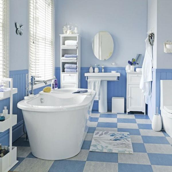 Badezimmer Fliesen Ideen blaue weiß badewanne