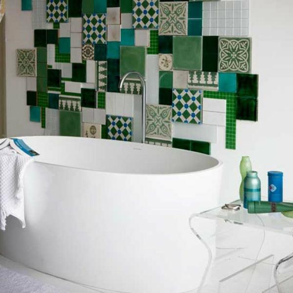 Badezimmer Fliesen Ideen mischen eklektisch grün