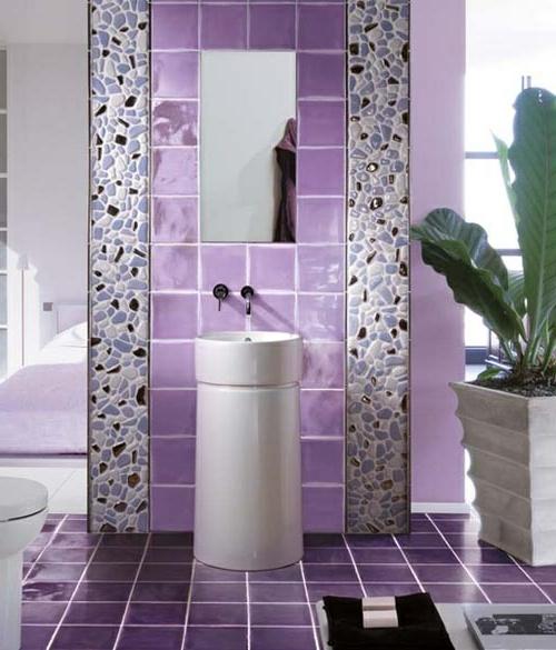 lila feminine Badezimmer und Badezimmerfliesen
