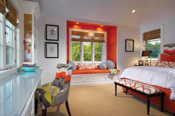 Dekoideen fürs Schlafzimmer wandgestaltung orange fenster nische