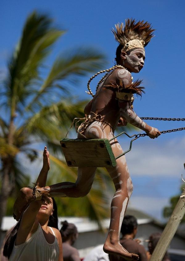 schaukel Osterinseln einwohner indianer karneval chile Die erstaunlichen Osterinseln