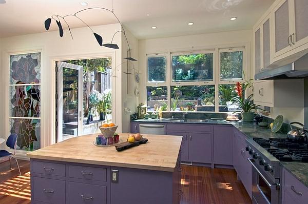 kuchenschranke farben : Farben f?r K?chenschr?nke purpurrot dunkel holzplatte fenster