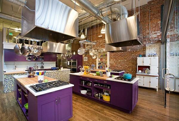 Farben für Küchenschränke purpurrot dunkel kücheninsel ziegelwand