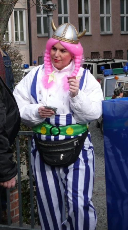Faschingsideen und Karneval Kostüme wikinger frau