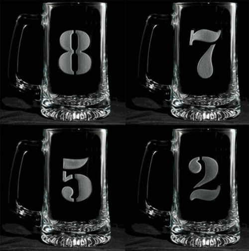 Fußballparty erfolgreich zu Hause glas bier