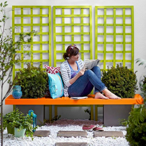 Gartenbank selber bauen Anleitung orange sitzplatz