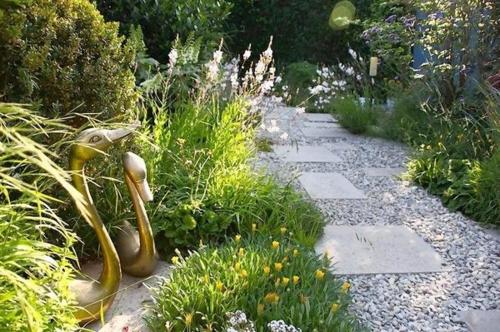Gartengestaltung goldene mit Kies landschaft