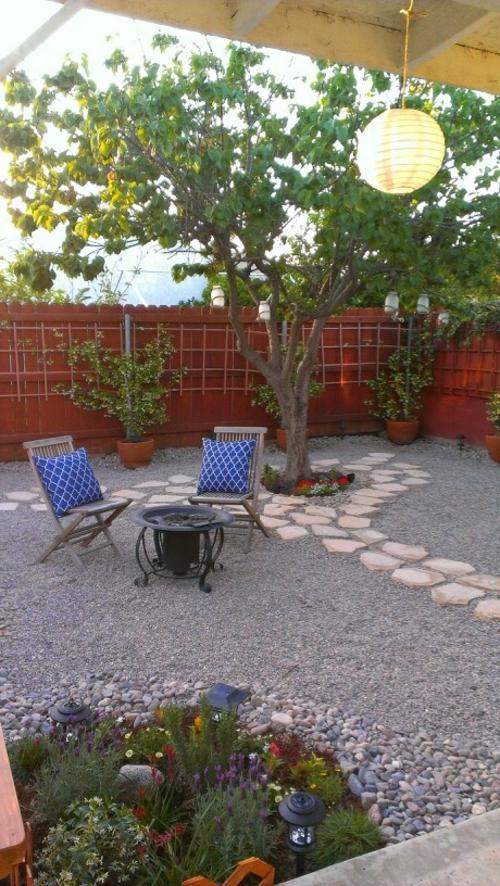 hängelampe beleuchtung kugel Gartengestaltung mit Kies natur