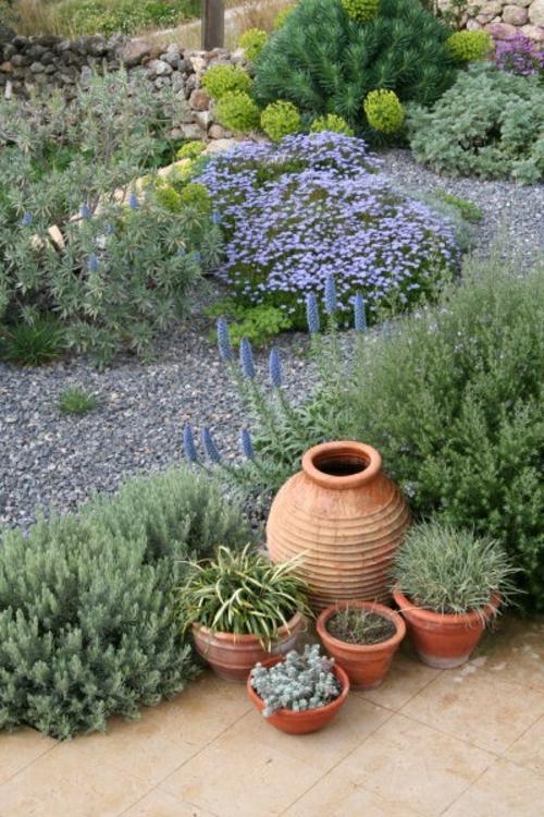 ländlich stil Gartengestaltung mit Kies ton gefäße