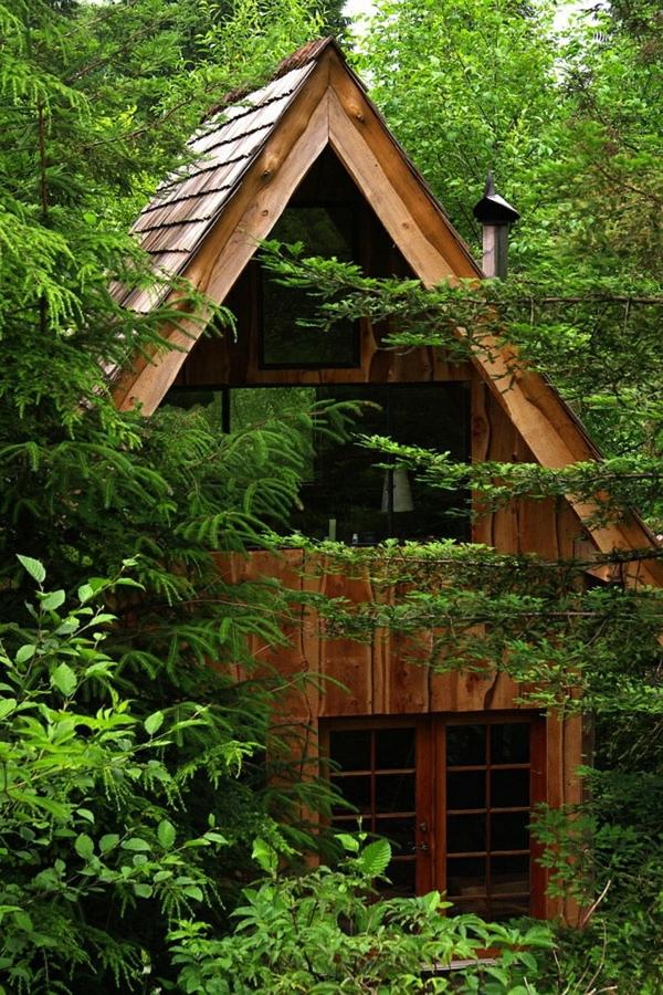 recycelte Materialien inspiration Japanisches Waldhaus architektur