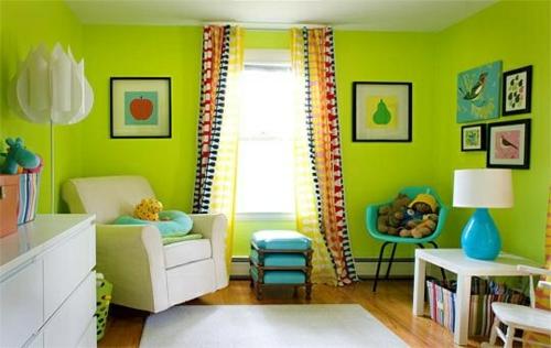 Kinderzimmer streichen wandgestaltung idee design tafel bunt grün