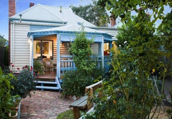 Gartenideen landschaft trends  Gartengestaltung  einladend gepflegt hinterhof