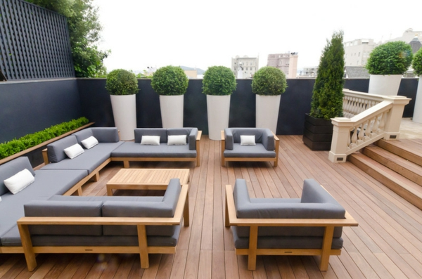 den ppigen sichtschutz im garten akzentuieren. Black Bedroom Furniture Sets. Home Design Ideas
