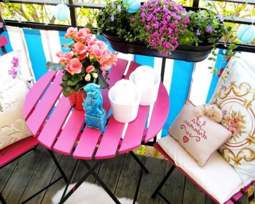 Balkongeländer frische farbe sitzecke