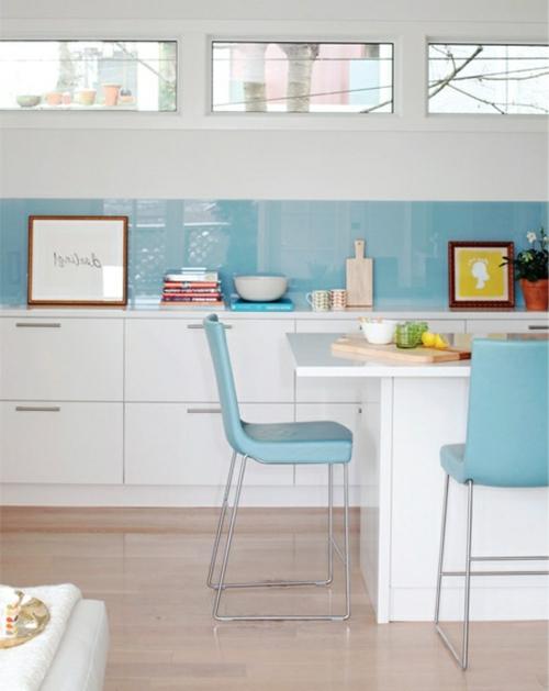 Glasrückwand küche glanzvoll farben leuchtend esszimmer