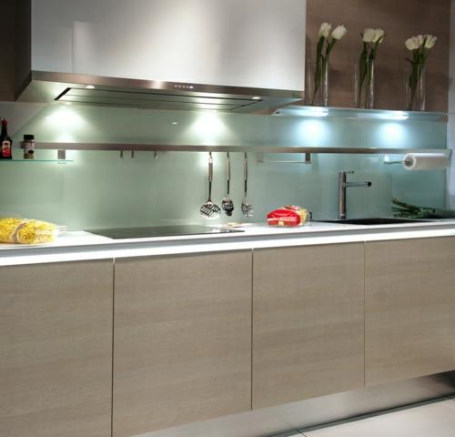 glanzvoll farben robust Wohnideen für Küche Glasrückwand