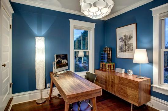 altes haus renovieren projekt arbeitszimmer heimbüro wandfarbe blau
