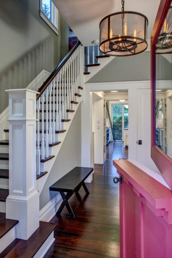 altes haus renovieren projekt farbgestaltung pink weiß legosteine