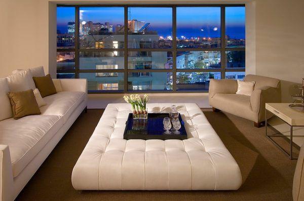 außerordentliche wohnzimer weißleder große fenster