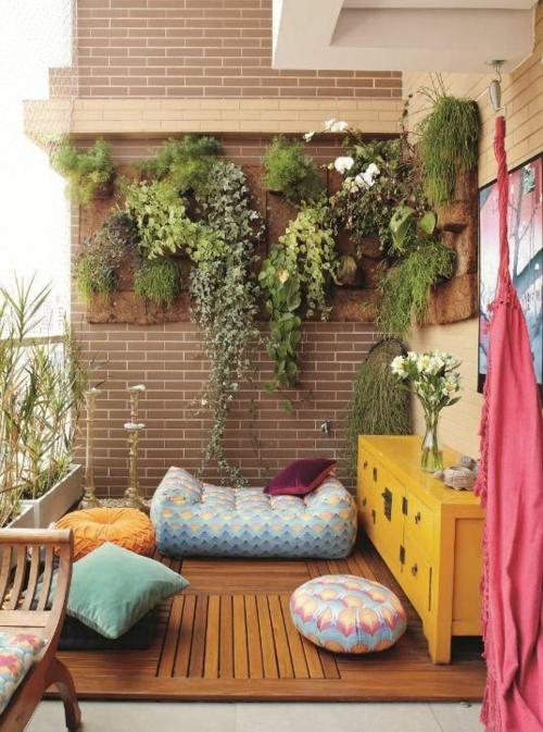 holzfliesen verlegen - holzboden auf dem balkon,