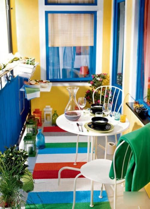 balkon bewohnlich entwerfen idee gemütlich farbenfroh