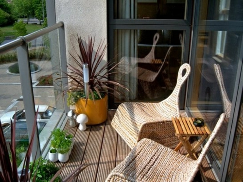 balkon bewohnlich entwerfen idee gemütlich rattan sessel