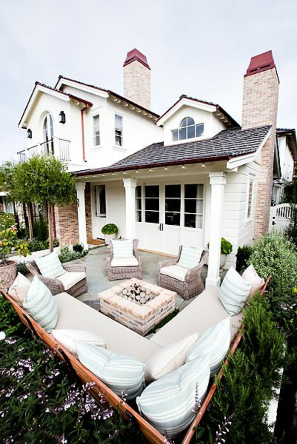 Balkongestaltung Designideen Sofa Weiße Möbel Dekoration