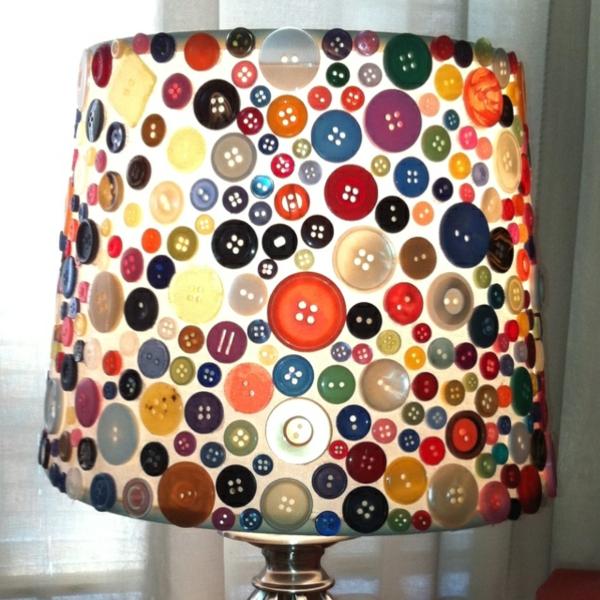 basteln mit knöpfen lampe