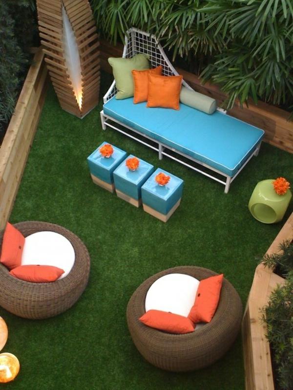 dachterrasse gestalten ideen terrassenmöbel rattan rasen teppich sichtschutz holz bodenlampe