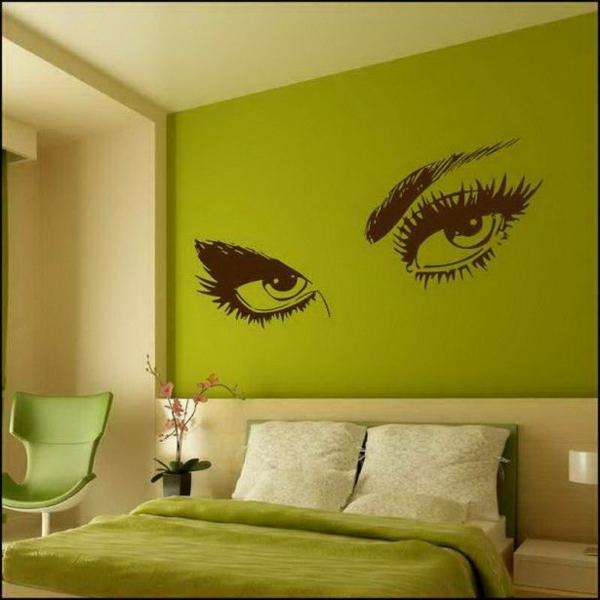 Dekoideen Wandgestaltung Grün Akzent Bett