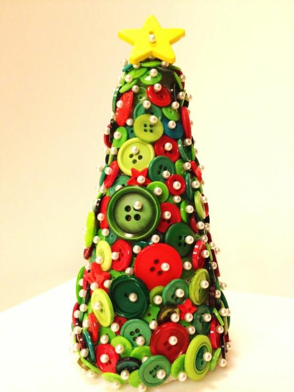 Basteln mit kn pfen 40 inspirierende dekoideen for Dekoideen weihnachtsbaum