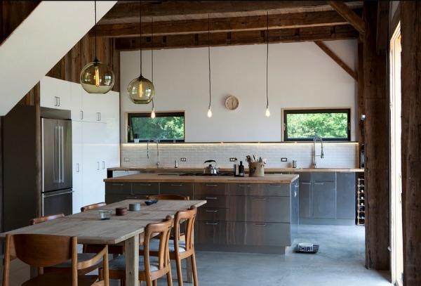 Edelstahl Küche Esstisch Holz Pendelleuchten Dekoideen