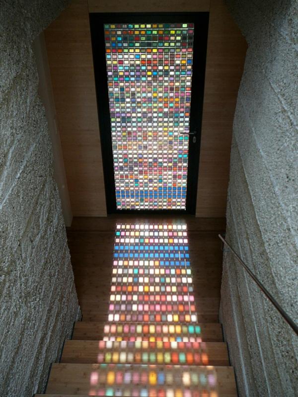 eingangstür garbig mosaik schattenspiel kreative wohnideen treppenhaus