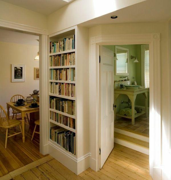 Wohnideen Korridor Bilder : eingebauter bücherschrank im korridor ...