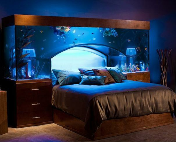 einrichtungsideen schlafzimmer bett aquarium