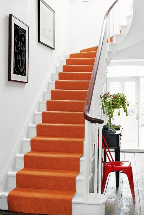 farbgestaltung flur wand ideen orange läufer treppe