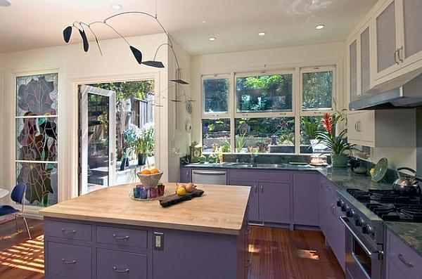 lila küchenschrank unterschrank farbgestaltung küche