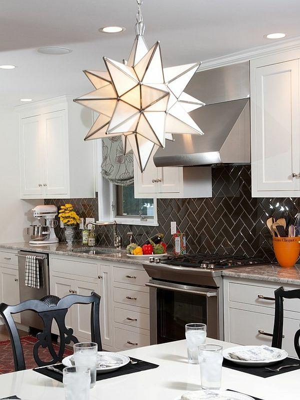 fliesen verlegen küche wandfliesen schwarz geometrisches muster küchenrückwand