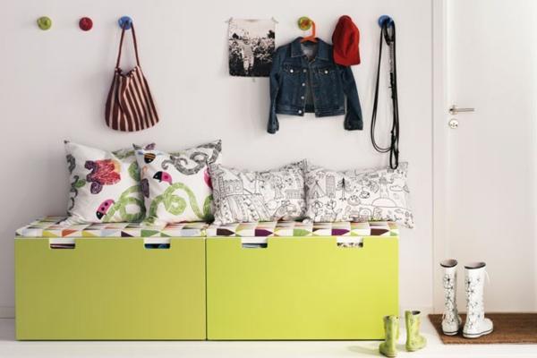 flur sitzbank grün kissen aufhänger