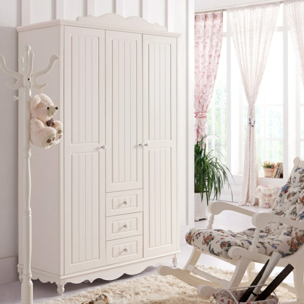 wei e garderobe sister mit schuhschrank pictures to pin on pinterest. Black Bedroom Furniture Sets. Home Design Ideas