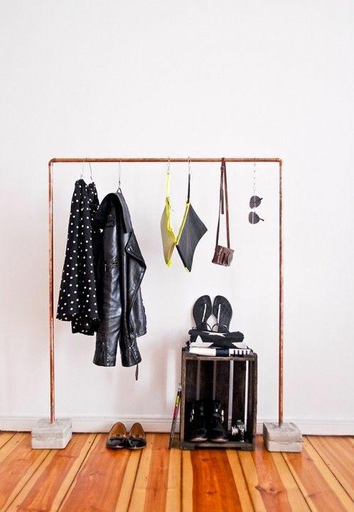 garderobenständer DIY  Kleiderständer selber bauen  recyceln bodenbelag holz