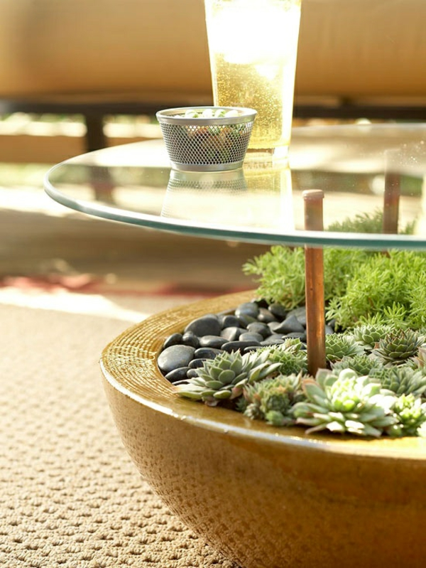 garten möbel ideen gartentisch selber bauen glasscheibe kieselsteine sekkulenten