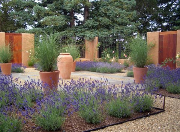 garten und landschaftsbau pflanzen blumentöpfe