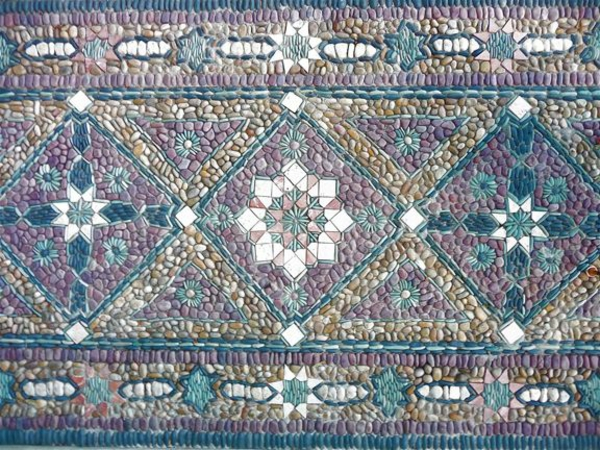 gartendeko mosaik aus steine bemalt