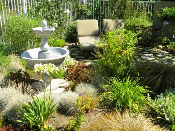 gartengestaltung ideen gartenbau gartenmöbel liegen zierbrunnen sommergarten pflanzen