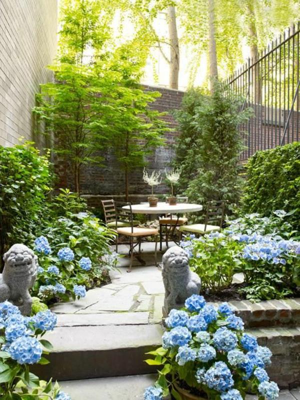 gartenideen mit steinpflaster und blumen - Gartenideen