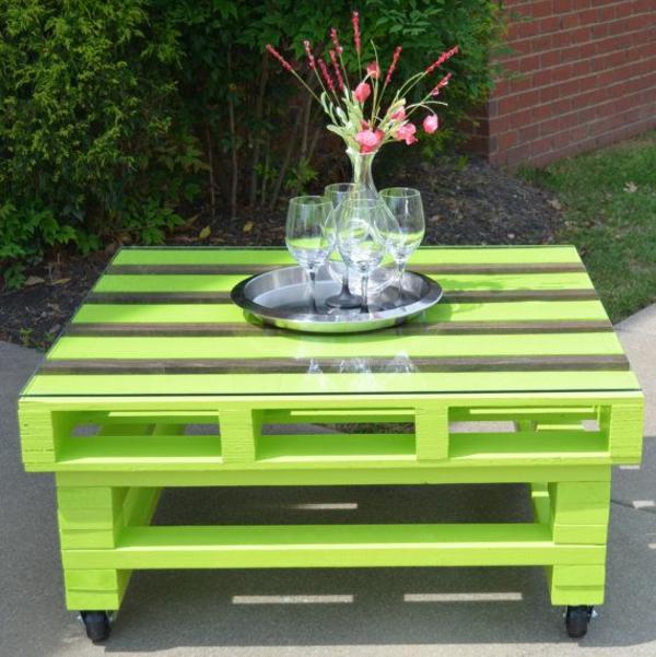Gartentisch selber bauen gartenm bel bastelideen - Comment faire une table de jardin avec une palette ...