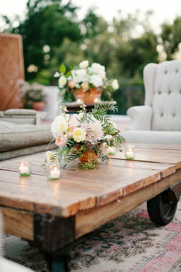 gartenmöbel-bastelideenideen-gartentisch-aus-paletten-bauen-auf-rollen, Garten und erstellen